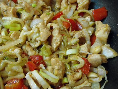 frango-salteado-legumes-amendoas