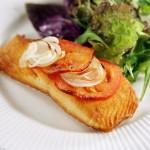 bacalhau-assado-salada