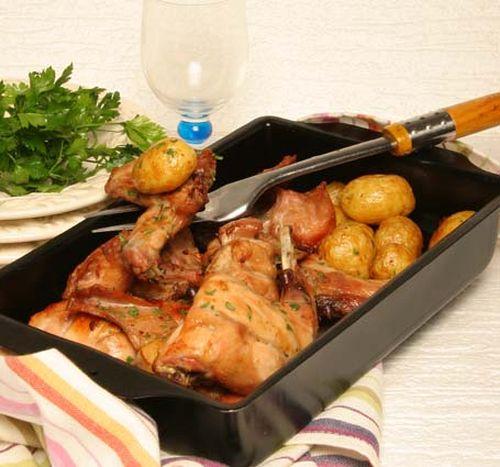 coelho-forno-batatas-assadas