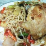 Massa Chinesa com Frango e Legumes