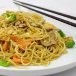 massa-chinesa-salteada-cogumelos