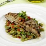 peixe-espada-salada-favas