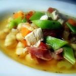 sopa-grao-frango-bacon-legumes