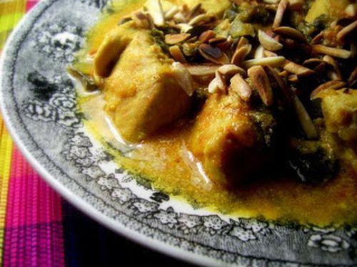 caril-peru-espinafres-amendoas