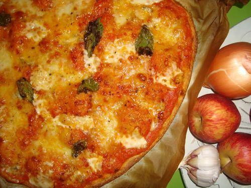 pizza-quatro-queijos-manjericao