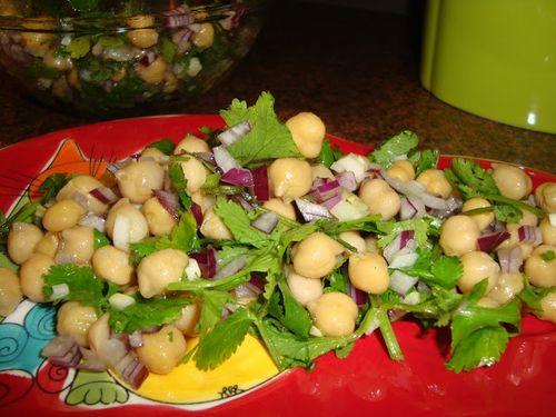 salada-grao-coentros