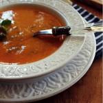 Sopa de Tomate com Feijão Verde e Ovos