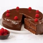 Bolo de Chocolate com Creme de Leite Condensado