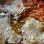 Costeletas de Porco com Tomate