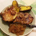 Costeletas de Porco com Batata Doce e Chutney de Maçã Reineta