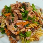 Salada de Frango, Fusilis e Cogumelos
