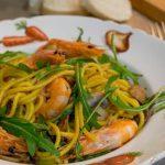Esparguete com Camarão e Legumes