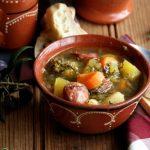 Sopa de Batata-Doce com Couve e Linguiça