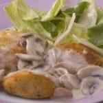 Bolinhos de Bacalhau com Creme de Cogumelos