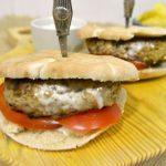 Hambúrguer de Peru à Grega em Pão Pita