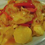 Bacalhau de Cebolada com Batatas Bravas